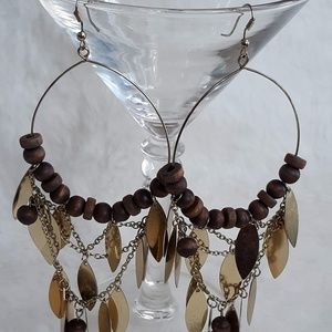 GOLD TONE AND WOOD LEAF DANGLE EARINGS